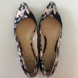 NEW! Vince Camuto Floral Flats